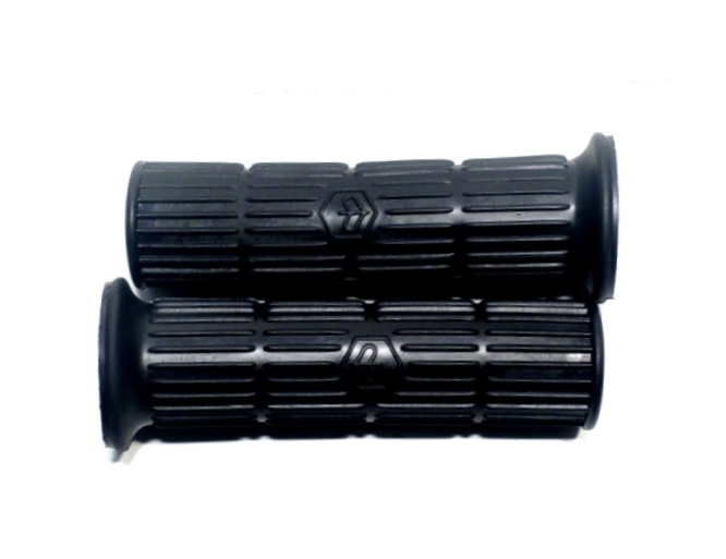 Handlebar grips pair black with logo Piaggio for Vespa RALLY,TS,GTR,PE,PX until 1983. Can be fit to all models