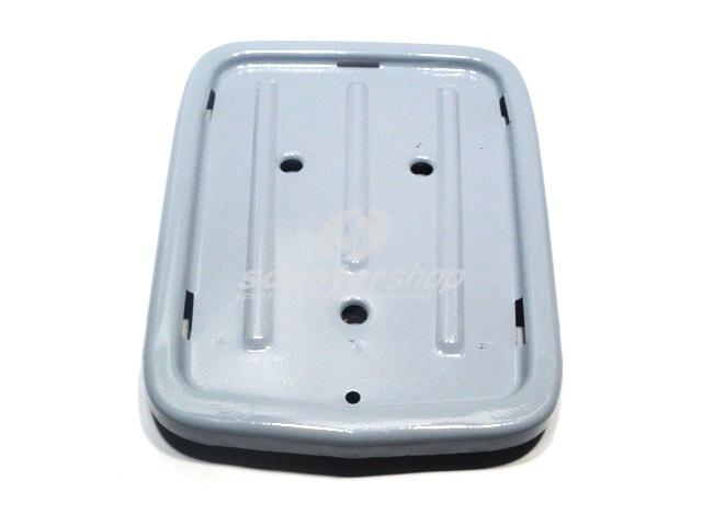 Rear plate for little saddle Vespa VNB6T,VNC1T,VNL2-3T,VBC1T,VLB1T . Can be fit to all models until Vespa Px without mix