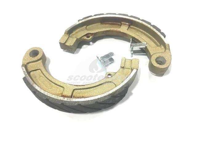 "Brake Shoes NEWFREN , rear,  ""AntiAqua"" for Vespa 50, Special,90,100, w 20 mm,  2 seatings, for brake drum d interior 135mm"